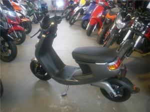 NIU M1 Pro E-Roller