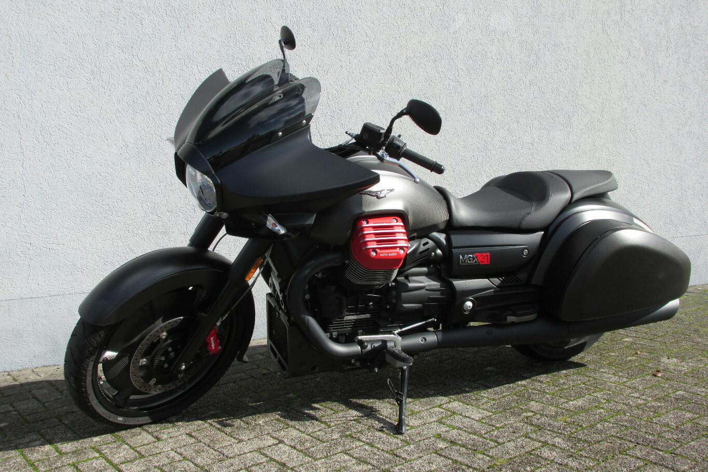 Moto-Guzzi MGX-21