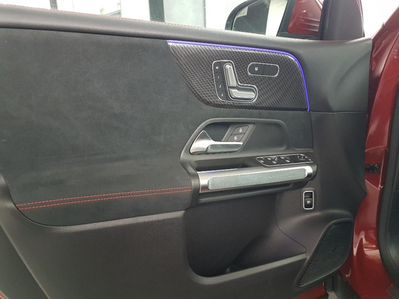 Mercedes-Benz GLB 200 d 4M AMG LINE THERMOTRONIC PREMIUM 360° full