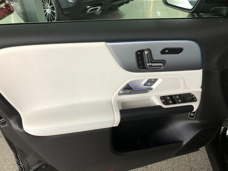 Mercedes-Benz GLB 200 PREMIUM STYLE MEMORY PARK 360° full