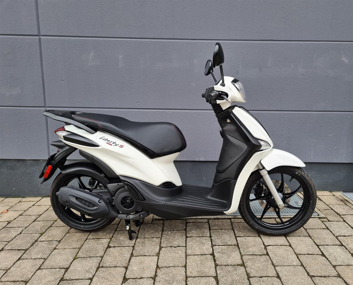 Piaggio Liberty 125 IGET 4t 3V Sport, Model 2021 !!! Euro 5 !!!